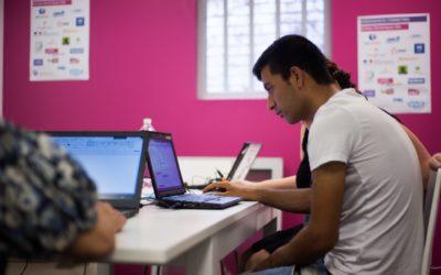 Faire ses premiers pas numériques, c'est possible grâce aux Permanences Connectées !