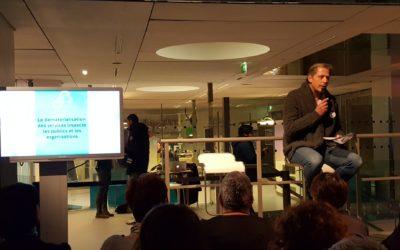 Pour une stratégie parisienne de l'inclusion numérique