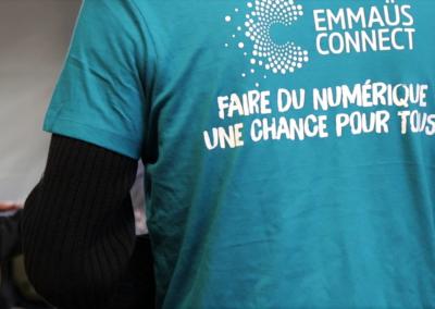 Tous bénévoles avec Emmaüs Connect !